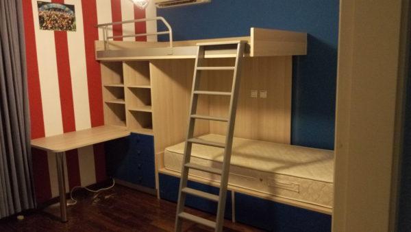Κουκέτα διώροφη με αποθηκευτικούς χώρους και γραφείο